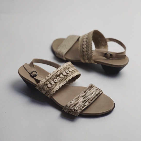 MUNRO Wide Width Woven Double Strap Comfort Sandal